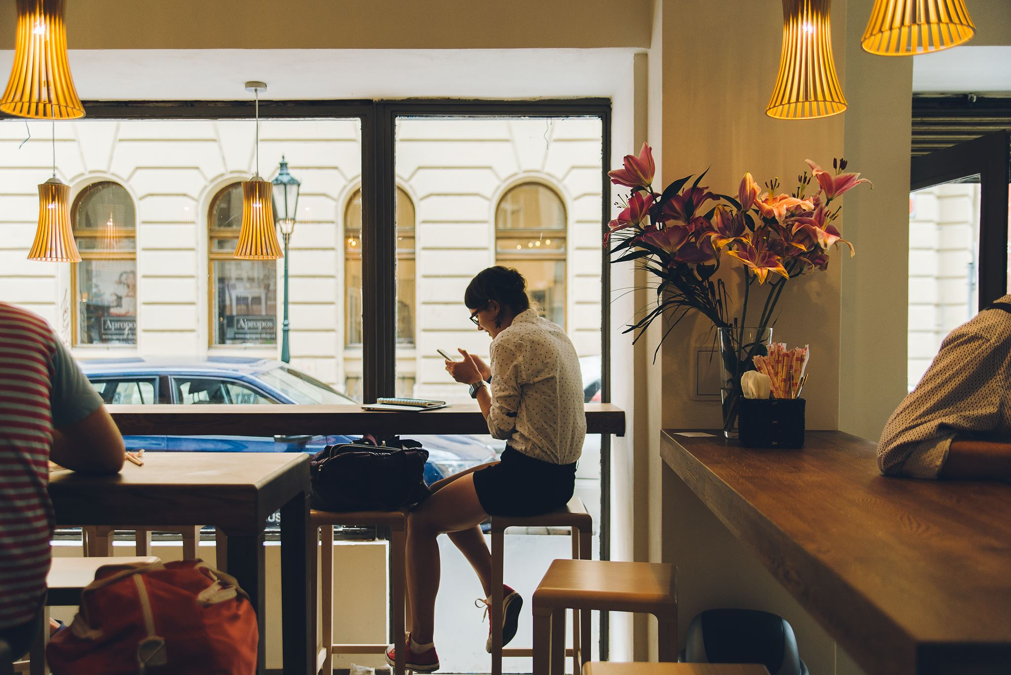Další místo na mém seznamu Kam v Praze chodit psát. Skvělý ledový čaj a kafe! Foto ukradeno z Facebooku banh-mi-ba