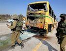 Útok na autobus s dětmi