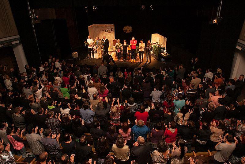 páteční standig ovation, autor: Míra Rosendorf