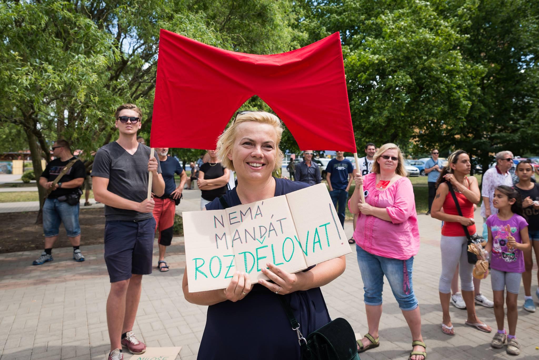 "Martin Topš, Alena Švejnohová a já. Aktivisti jak ""víno"". ;-) Autor: Jana Plavec"