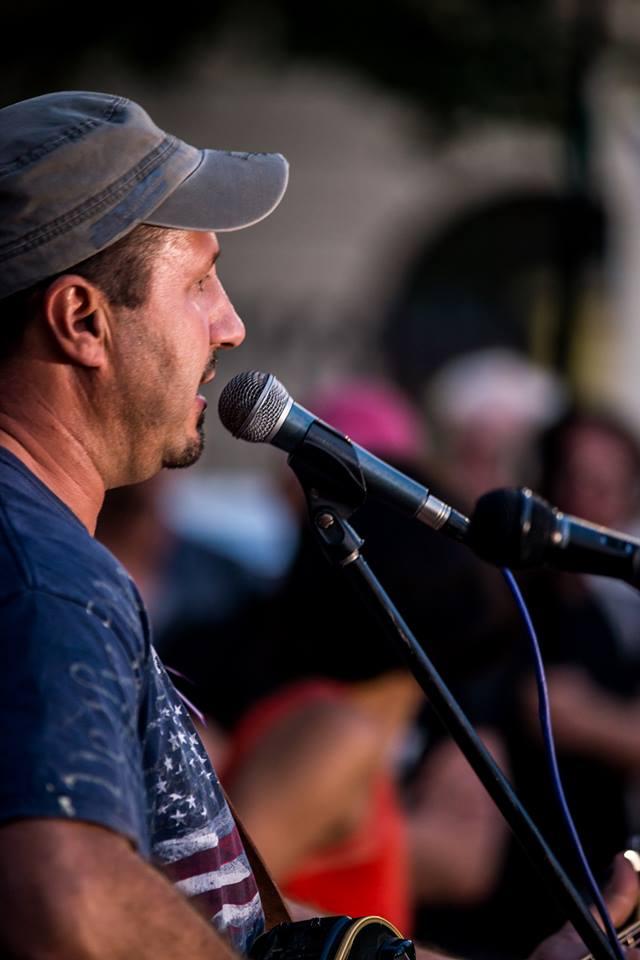 Ziggy Horvát, písničkář a aktivista, foto Jana Plavec
