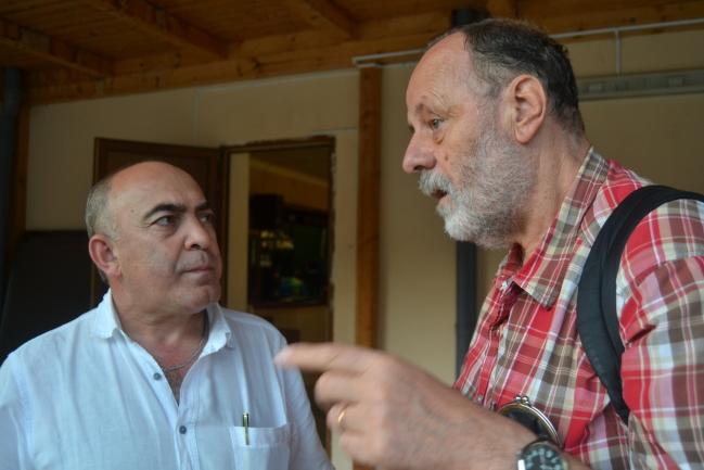 Profesoři Osman Batčajev a Petr Charvát