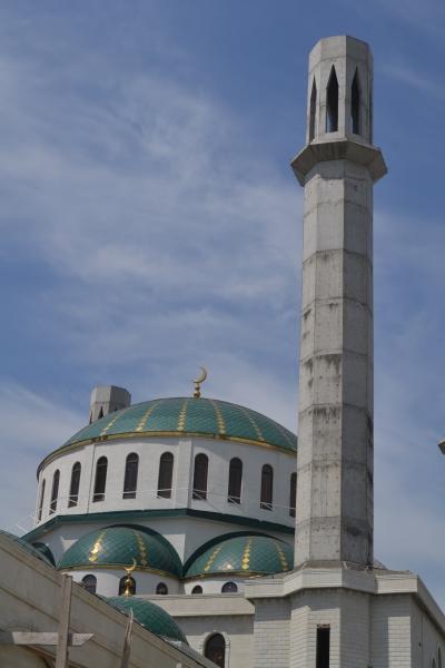 Novostavba mešity v Čerkesku