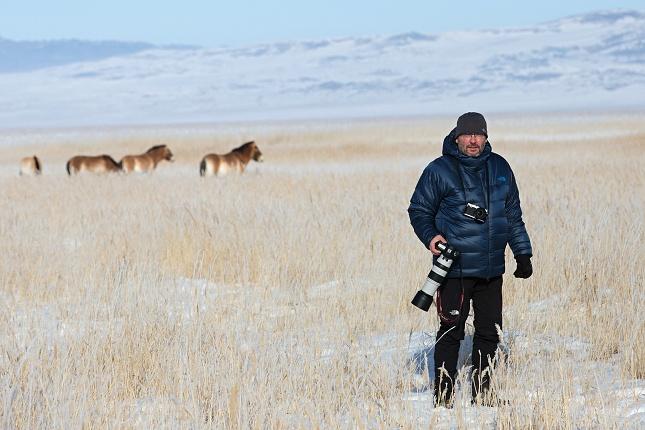 Bylo to náročné, ale neuvěřitelně krásné. Rád bych poděkoval všem, kdo návrat posledních divokých koní podporují, a rovněž těm, kdo nám pomohli uskutečnit naši zimní cestu. Patřila k nim i společnost North Face, která nás do extrémních mrazů oblékla. Foto Václav Šilha, Zoo Praha