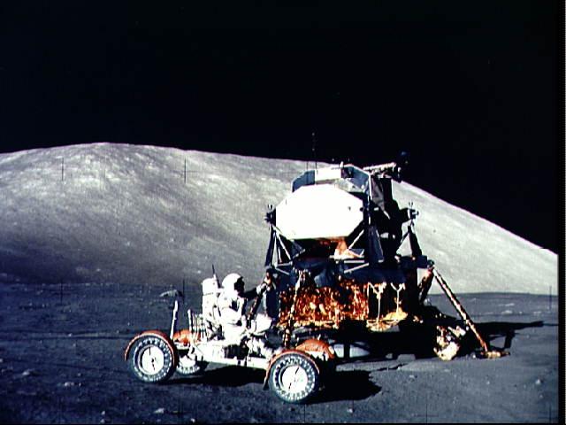 Měsíční modul Apollo 17 a vozidlo Lunar Rover