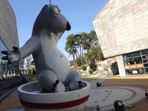 Festival v Pušonu má i svoje sochy animace a komiksu