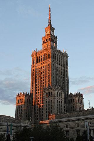 Palác kultury a vědy ve Varšavě / Zdroj: NAC, CC BY-SA 4.0, https://commons.wikimedia.org/w/index.php?curid=43985202
