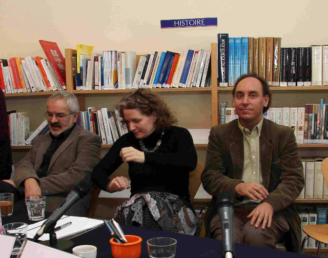 Z konference CEFRES, 29.11. 2010 zachycující Oldřicha Tůmu a Muriel Blaive a Nicolase Maslowského.