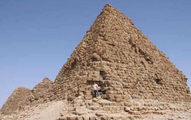 Nuri – jedna z nejlépe zachovaných, ze 6. století před Kristem.