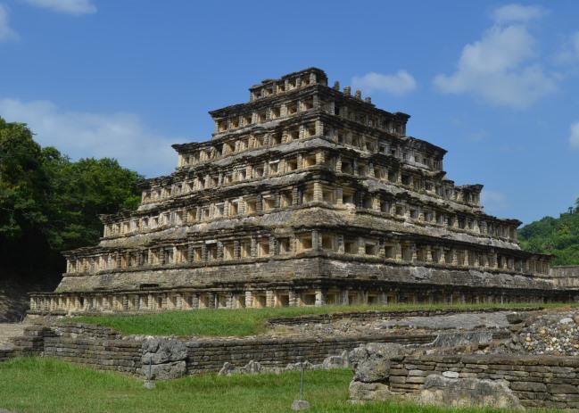 Tajín, výklenková pyramida