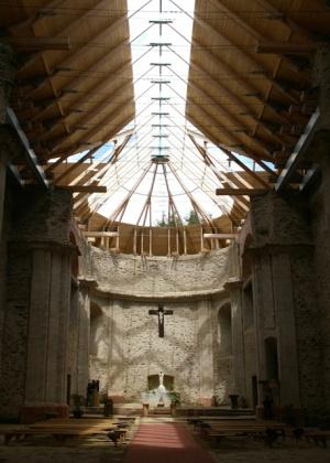 Unikátní prosklená střecha kostela Nanebevzetí Panny Marie