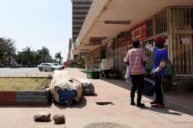 [Lusaka]Hlavní ulice Cairo čistotou a pořádkem zrovna nevyniká