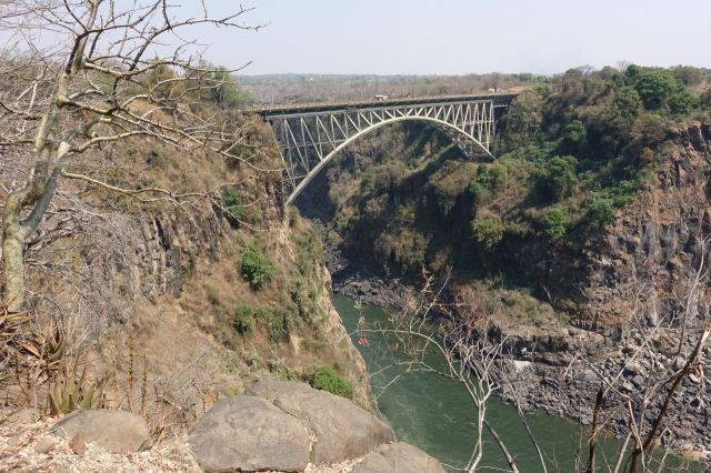 [Victoria Falls]Victoria Falls Bridge spojuje Zambii se Zimbabwe