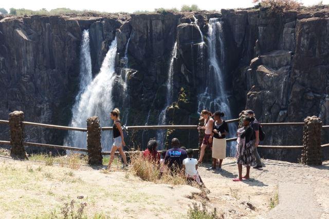 [Victoria Falls]Vyhlídka na přepadovou hranu