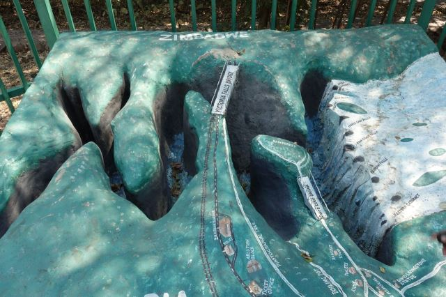 [Victoria Falls]Plastický model vodopádů - to bílé vpravo je vodopád při plném stavu vody