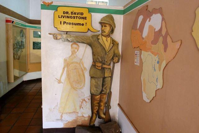 [Livingstone]Městské muzeum a slavná Stanleyho věta: 'Dr. Livingsone, předpokládám'