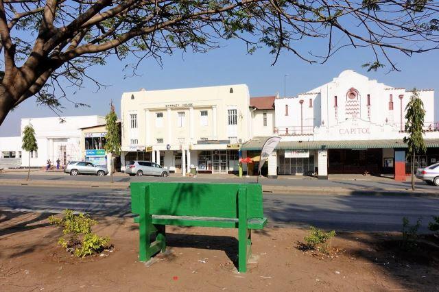[Livingstone]Historické budovy v centru u hlavní třídy Mosi-oa-Tunya