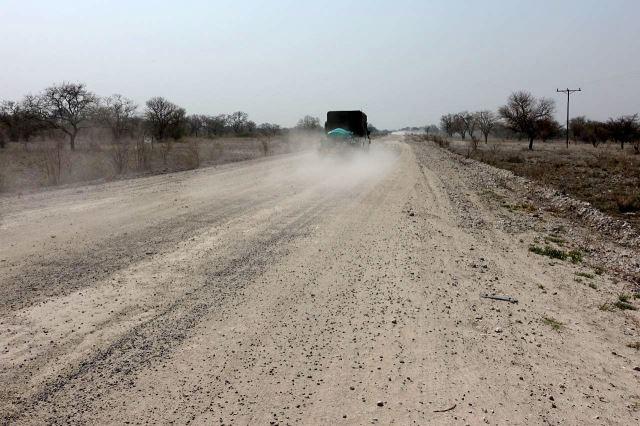 [40 km z od Nata]Prašná silnice