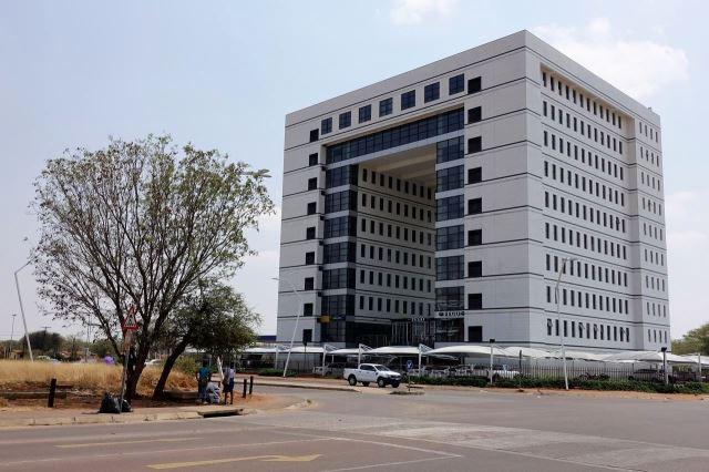 [Gaborone]Nová budova v budoucím centru