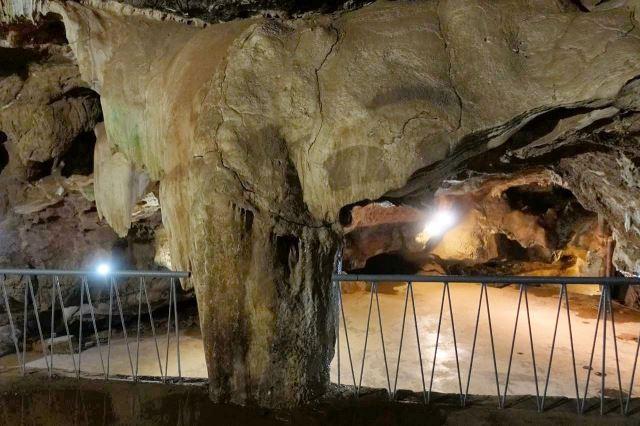 [Echo Caves]Sloní sál