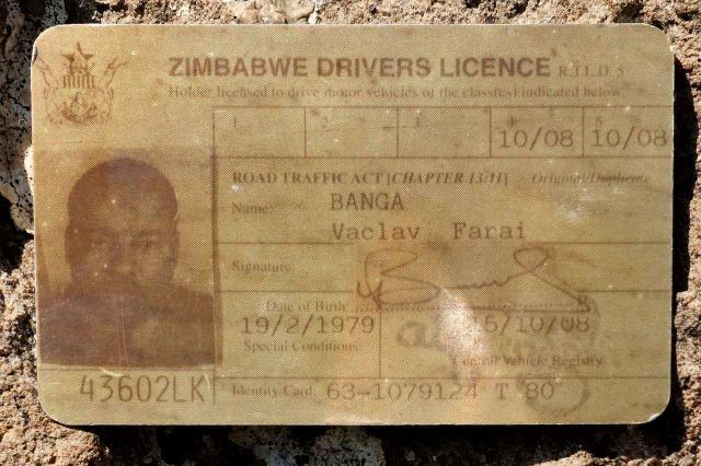 [Bourke's Luck Potholes]Vaškův řidičský průkaz vystavený v Zimbabwe