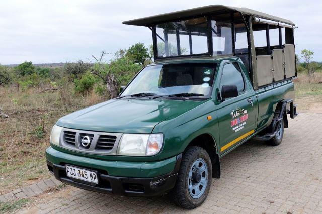 [Kruger National Park]Naše vozidlo značky Nissan