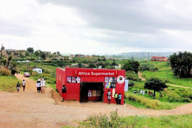 [Poblíž Esperanza na R102]Vesnický 'supermarket'