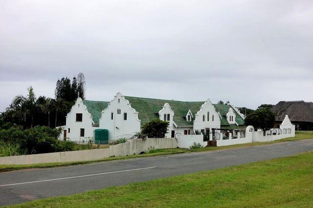 [V od Port Shepstone]Typická afrikánská architektura