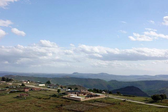 [Poblíž Mount Frere]Osada