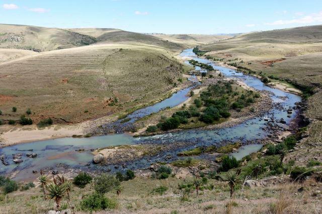 [Poblíž Tina Bridge]Meandr řeky Tina