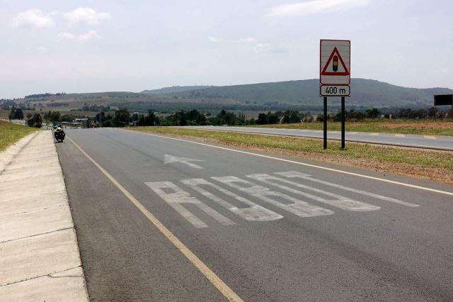 [J od Johannesburg] Upozornění na světelnou křižovatku - robot
