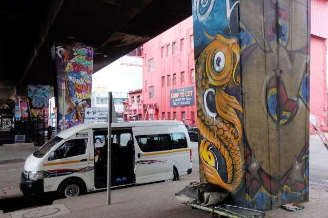 [Johannesburg] Pod dálnicí